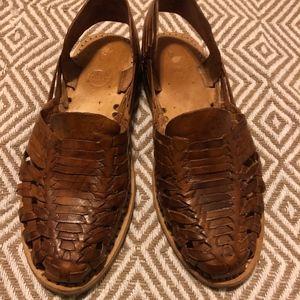 Huarache sandals 7.5